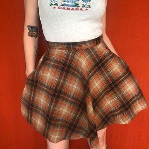 Plaid circle skirt with pockets
